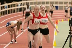 Luisa Manegold und Ida Schwering 4x200m U18